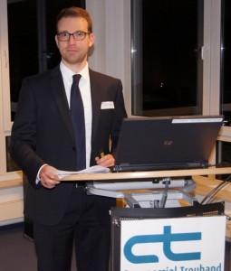 Rechtsanwalt Christian Jakob LL.M stand den Teilnehmern mit Rat und Tat zur Seite.